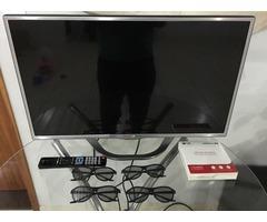 Televisor Lg LED 32 polegadas 3D com 4 óculos na caixinha